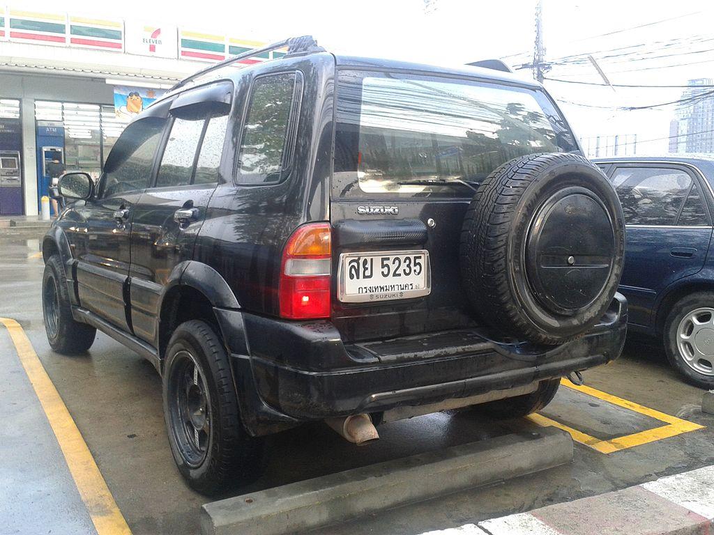 Car parking in Bangkok