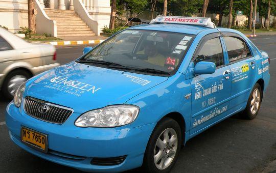 Toyota Corolla Altis blue taxi in Bangkok