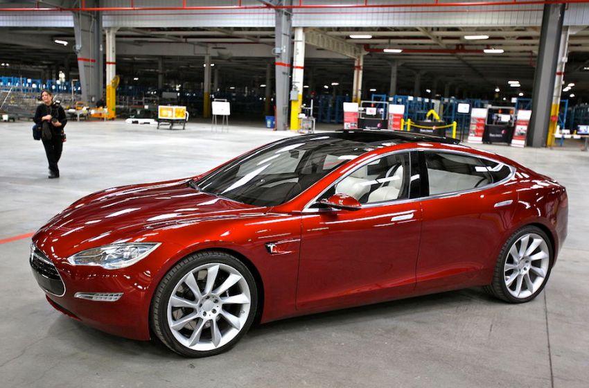 "Germany asks Tesla to drop ""autopilot"" branding"