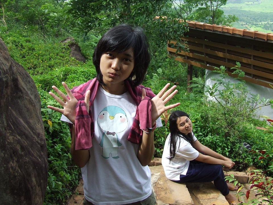 2 Thai girls