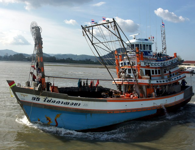 Thai authorities arrest crews of Vietnamese trawlers for illegal fishing