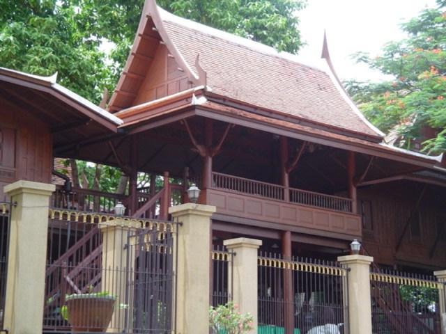Chonburi Immigration Bureau Arrest Swiss Man Over Real Estate Fraud