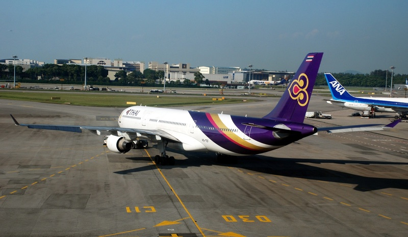 Thai Airways, Airbus A330-300 in Singapore