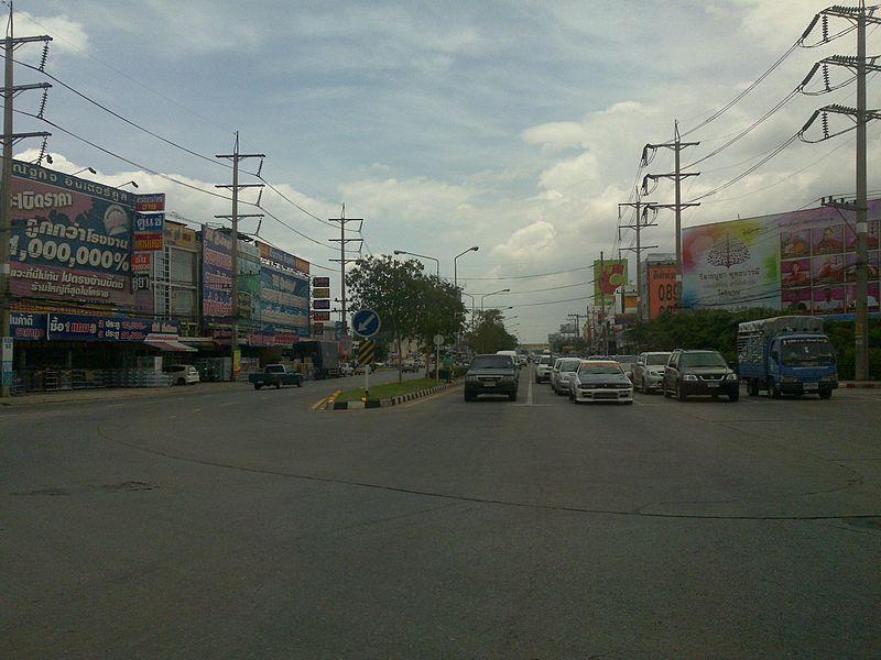 Traffic light on a Thai road