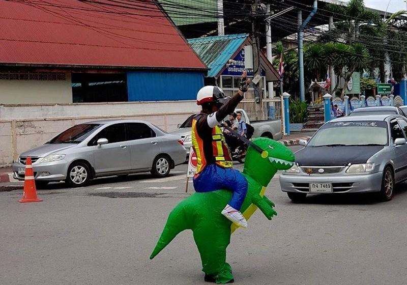 'Dino' traffic cop wins hearts of parents, pupils