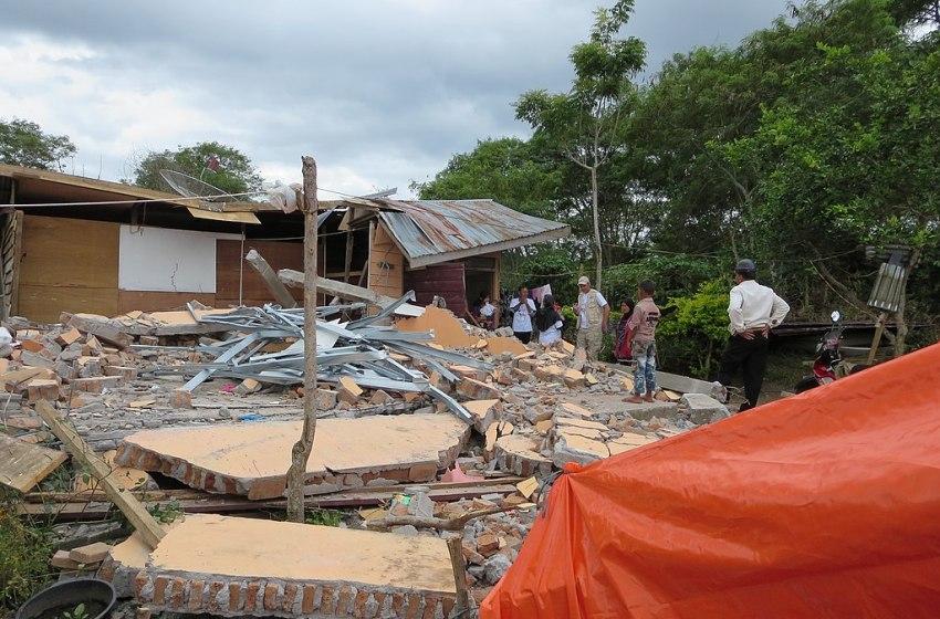 Death Toll in Indonesia's Quake, Tsunami Climbs Past 2,000