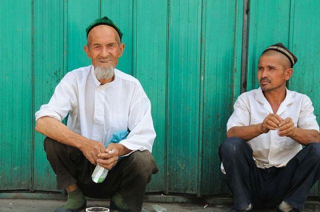 China Bans Uyghur Language in Xinjiang Schools