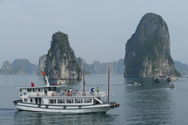 Passengers Missing After Tourist Boat Capsizes in Central Vietnam