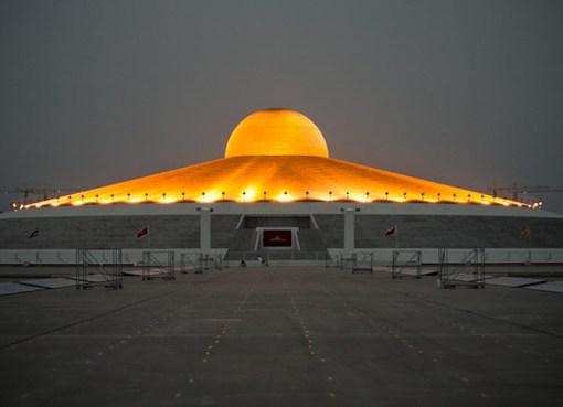 The Chedi of Wat Phra Dhammakaya at night