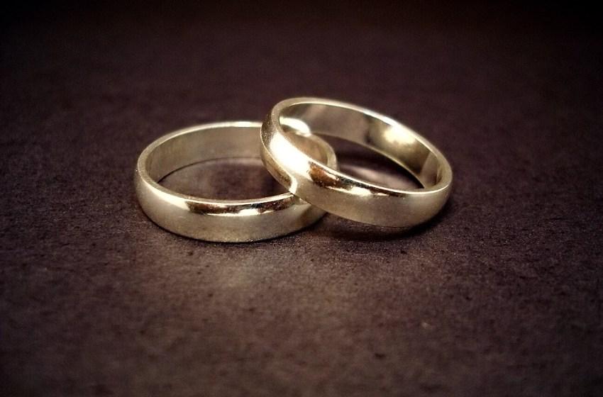 14-carat gold wedding rings