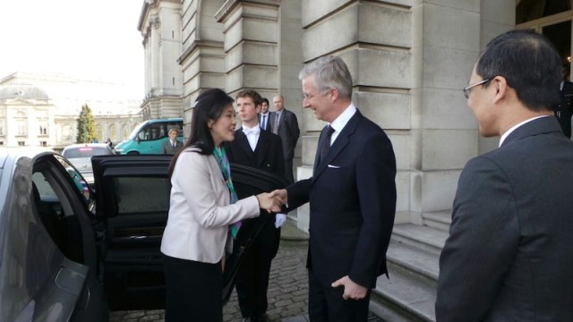 Thai PM Yingluck Shinawatra has audience with Swedish King and Queen