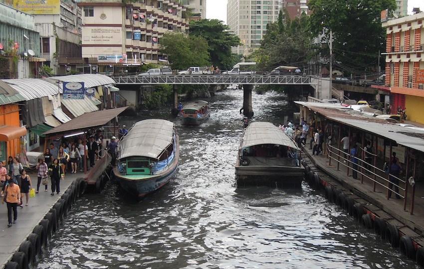 Khlong Saen Saep Express Boats
