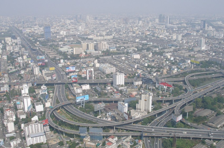 Government pushes expressway to go ahead