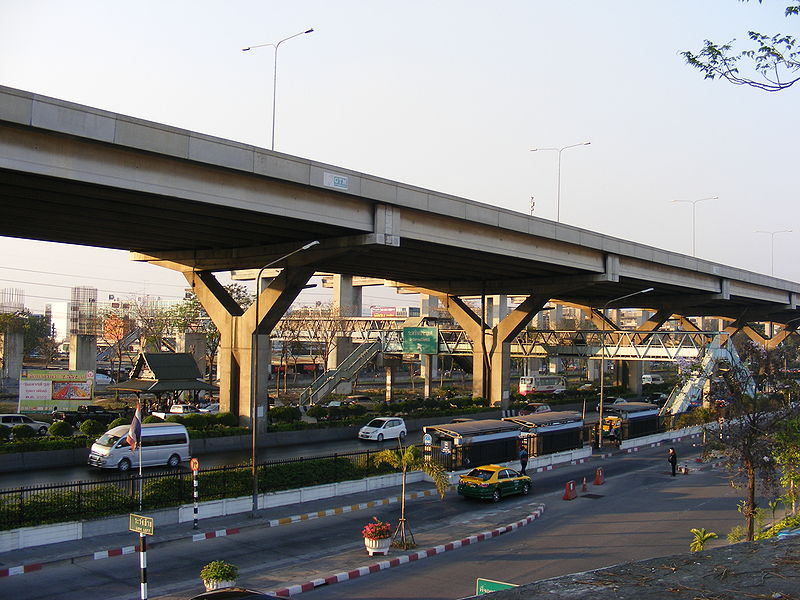 Road and elevated expressway in front of Don Mueang Airport, domestic terminal