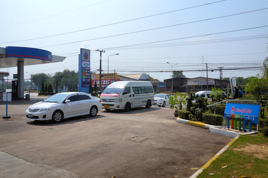 Man killed, wife injured in Sa Kaeo petrol pump attack