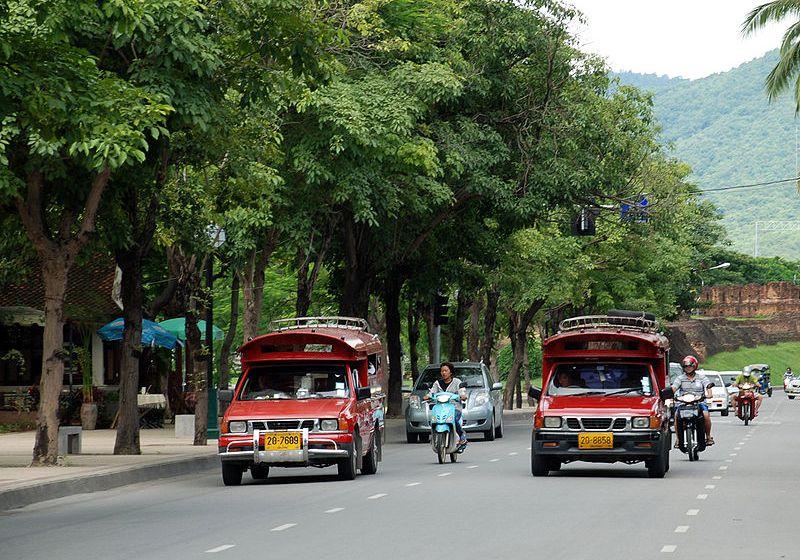 Rot Daeng in downtown Chiang Mai