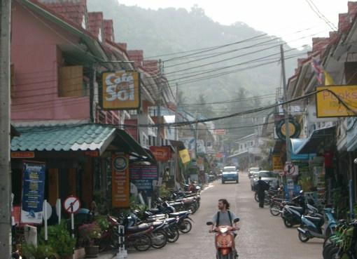 Street in Mae Haad, Koh Tao