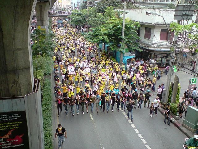 Thailand's 'Yellow Shirt' PAD partially vacates protest site