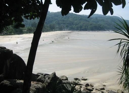 Tsunami waters at Kata Noi Beach, Phuket