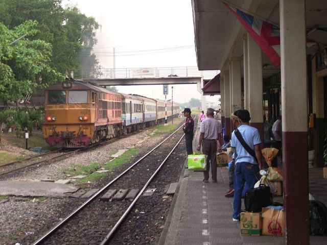 Woman with mental illness killed by train in Bangkok