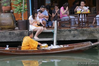 Monks at Amphawa Floating Market
