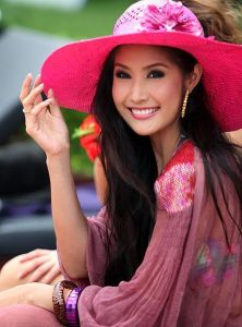 Pretty Thai Girl: Dowry?
