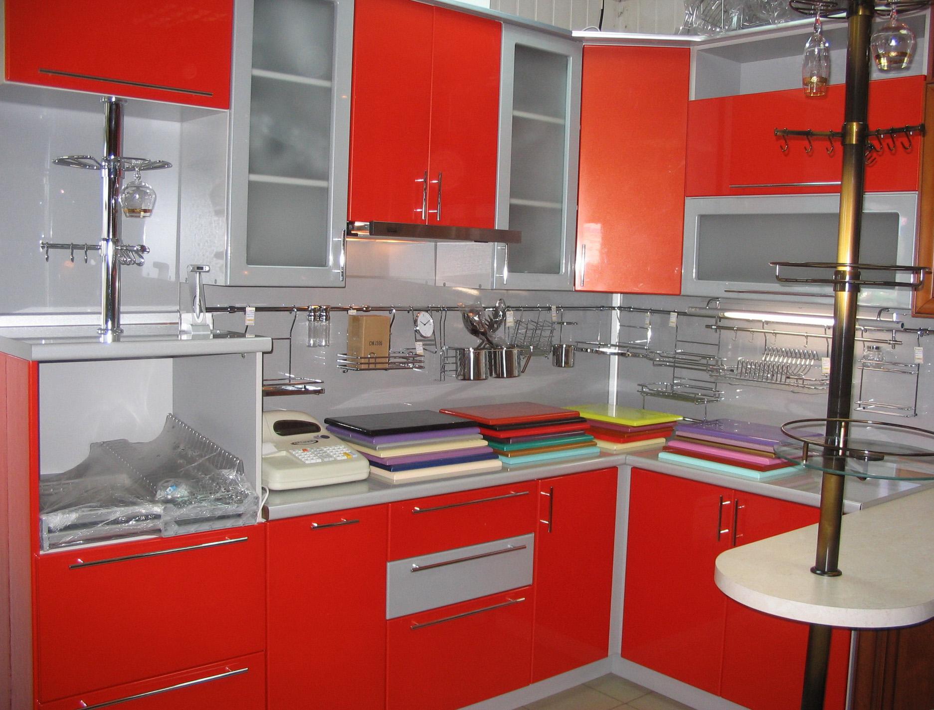 تشكيلة جديده لكم من كتالوج تصاميم مطابخ ٢٠١٥ الحديثة باللون الأحمر ...