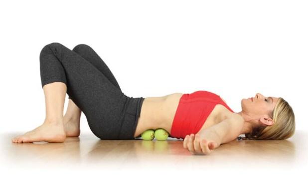 إستخدام كرة التنس في تخفيف ألم العضلات 7