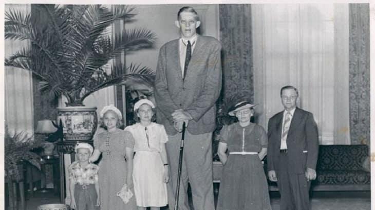 روبرت اطول رجل في العالم كله