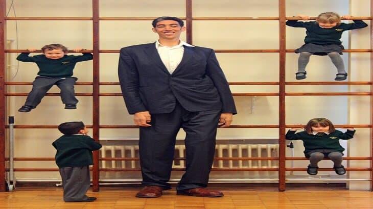 سلطان كوسن اطول رجل في العالم