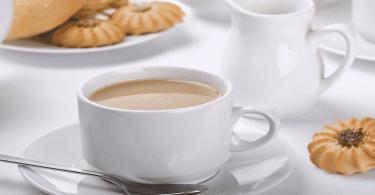 فوائد الشاى باللبن وأضراره