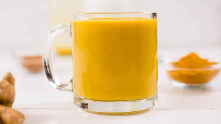فوائد الكركم مع الحليب للبشرة والصحة