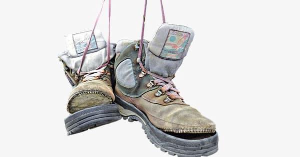 تفسير تمزق الحذاء في المنام ومعناه معلومة ثقافية