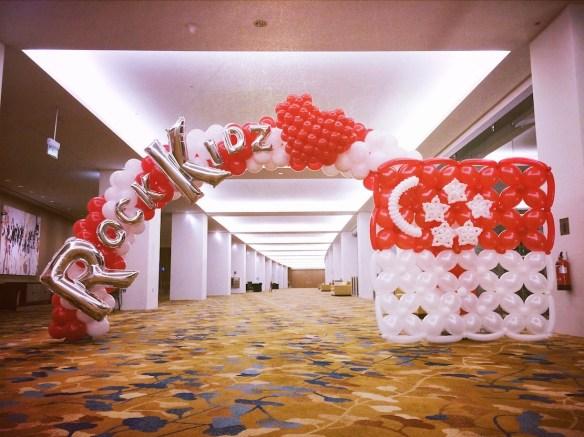Singapore Balloon Arch