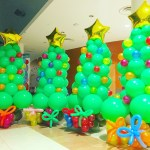 Balloon Christmas Tree with presents