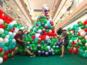 Large Balloon Christmas Tree