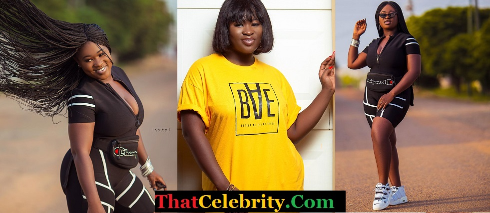 Sista Afia Shows Fans Her Goodies