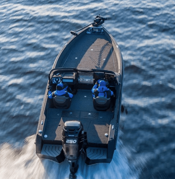 Aluminum or PCV boat: what to choose?
