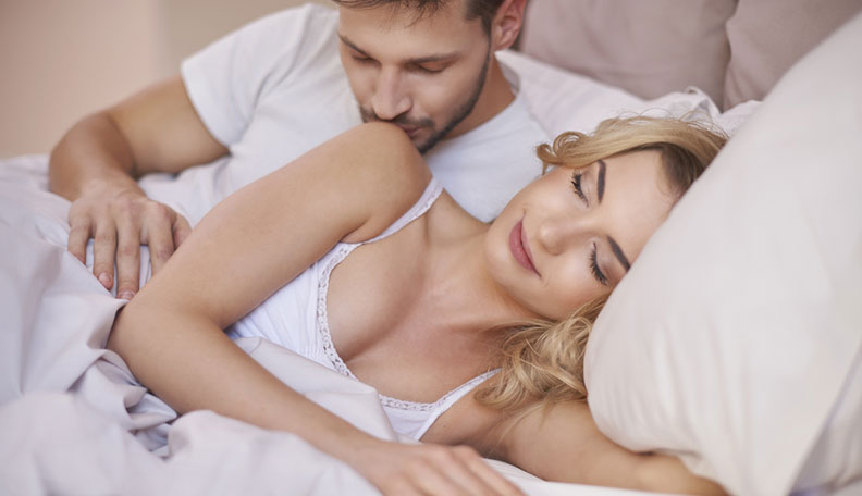 Sexy Cuddling: How to Cuddle with a Girl So it Leads to Sex