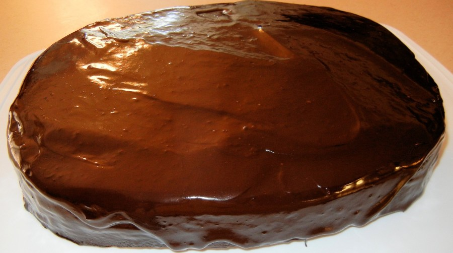 DIY BAKE CHOCOLATE CAKE AT HOME WITH GANACHE