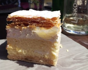 Cream Cake in Bled | Glamping - Camping the glamourous way | that kind of style