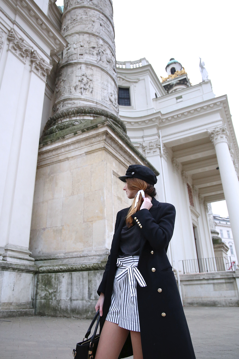 Maritime outfit with bows | that kind of style