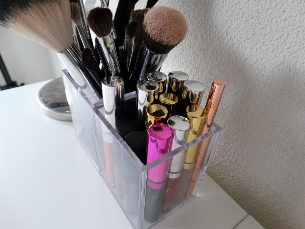 makeup set up
