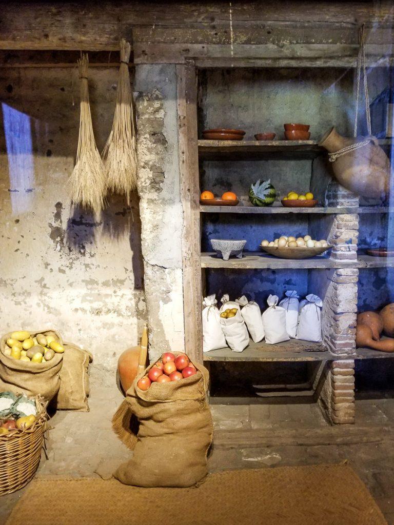 Food storage display