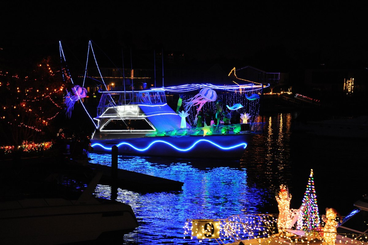 Christmas Boat Parade in the Huntington Harbour