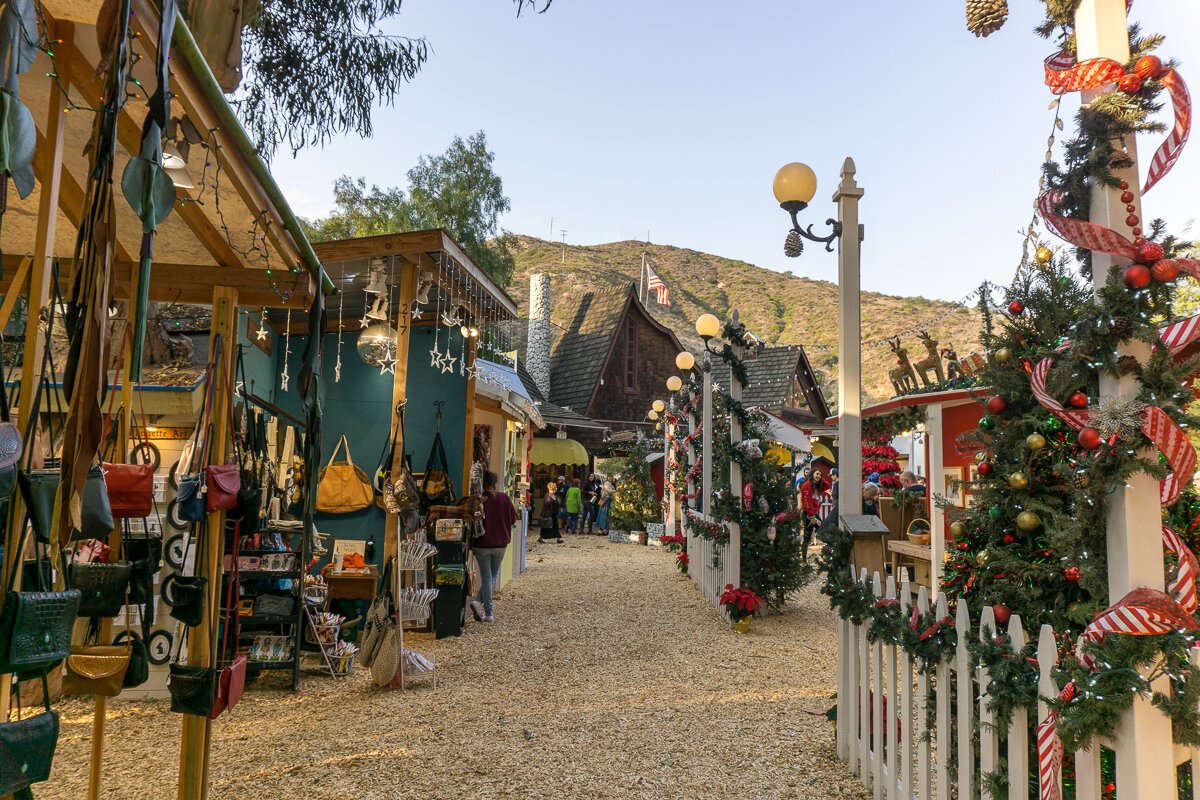 The outdoor marketplace at Sawdust Art Festival
