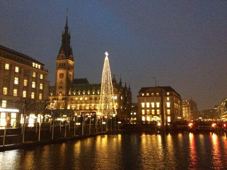 Hamburg by night