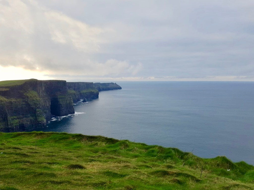 the Cliffs of Moher, Ierland