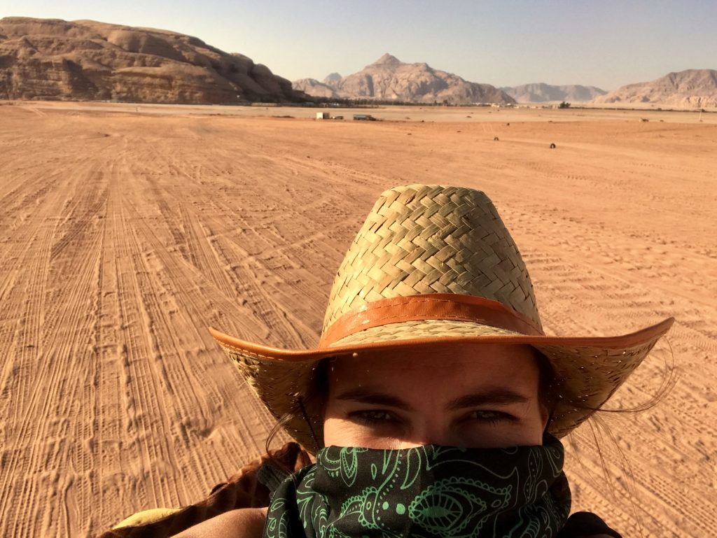 Cruising through de desert in Jordan