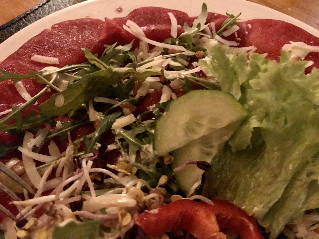 In februari ging ik uit eten: carpaccio
